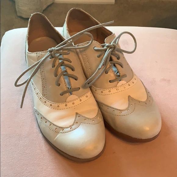 Born Shoes   Womens Wingtip   Poshmark